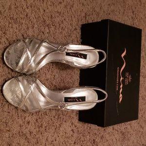 Nina women's silver heels
